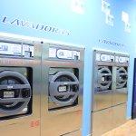 Vista frontal de los equipos de lavado